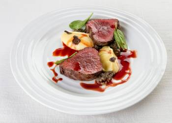 Beef fillet with parsnip puree and truffle