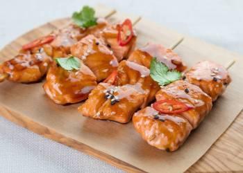 Шашлычки из лосося (1 шпажка)