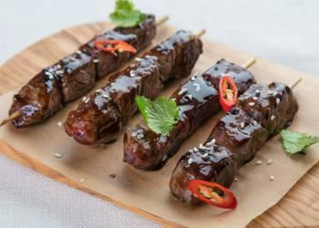 Beef brochette (1 skewer)