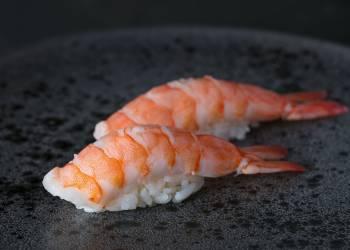Суши с креветкой (2 шт.)