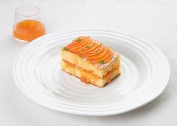Ананасовый пирог с абрикосовым вареньем