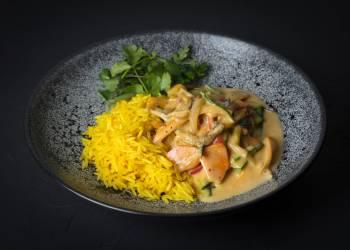 Овощи карри с рисом