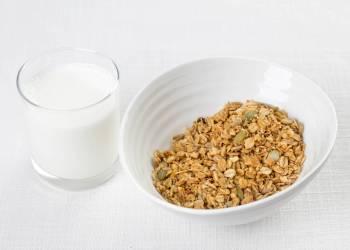 Мюсли с молоком