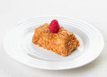 Сырно-карамельное пирожное