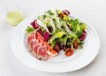 Салат из тунца с крабом