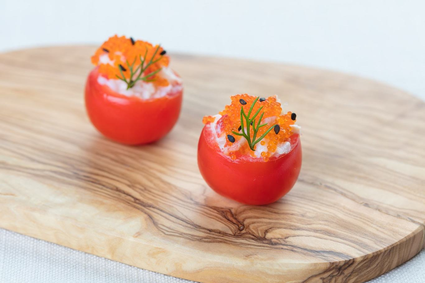 Сherry tomato with crab (1 pc)