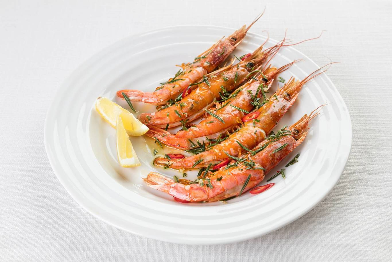 Shrimps with herbs