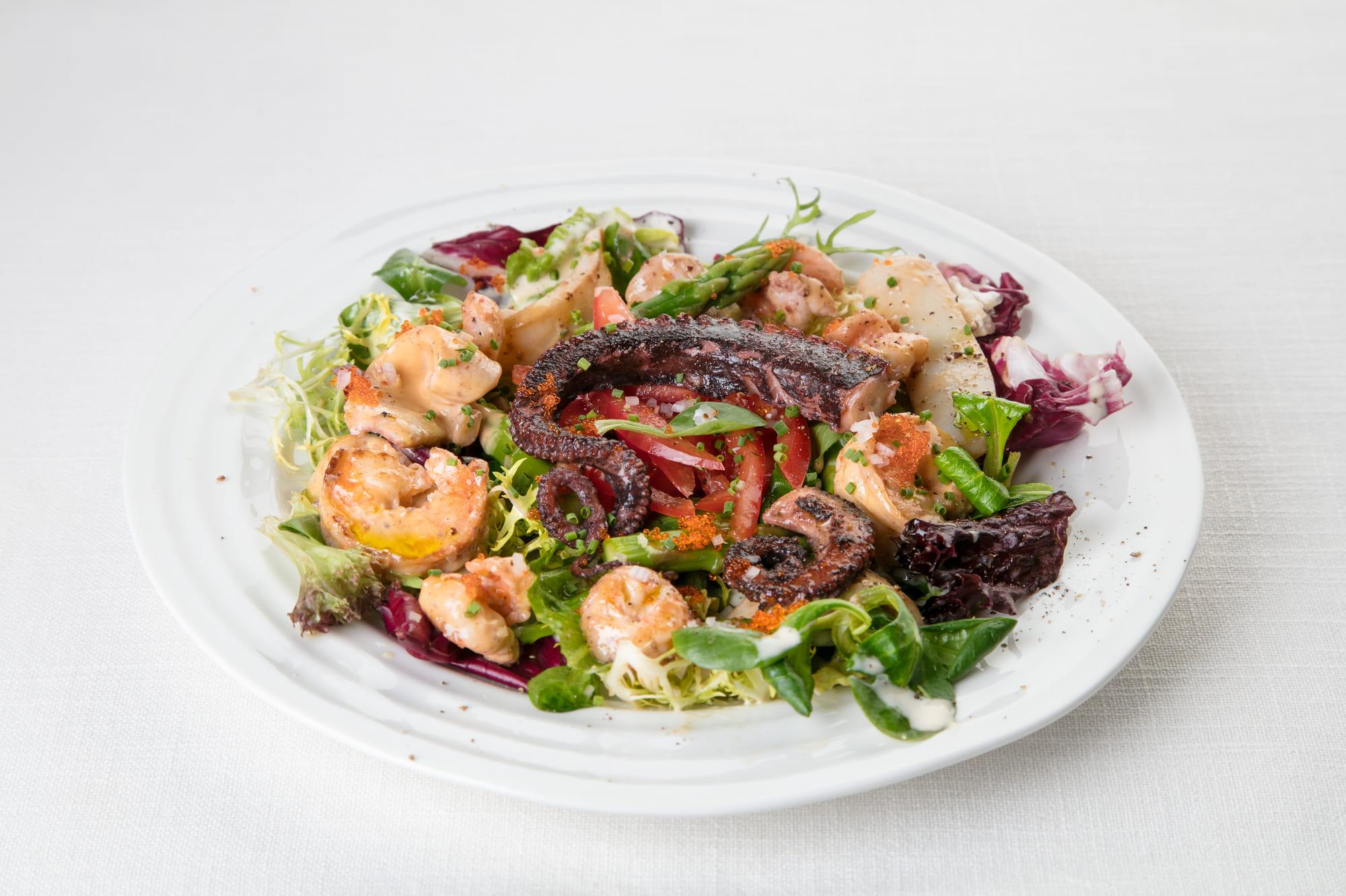 Cалат с морепродуктами